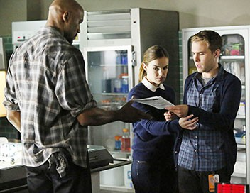 <strong>Marvel&#39;s Agents of S.H.I.E.L.D</strong> S02E02 La chasse - 1