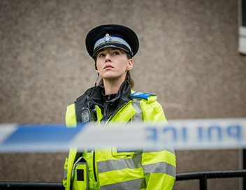 <strong>Happy Valley</strong> S02E01 - 2