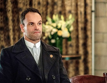 <strong>Elementary</strong> S04E23 La main invisible - 1