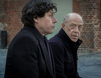 <strong>Counterpart</strong> S01E05 L&#39;école - 1