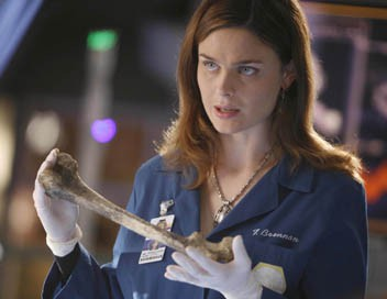 Bones S01E12 Citizen 14