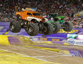 Monster Jam 2017 Oakland - Racing - Freestyle