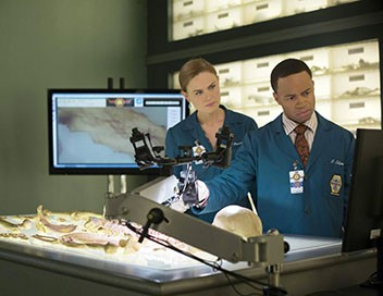 <strong>Bones</strong> S09E12 Obsession - 1