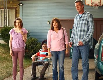The Middle S08E23 L'Europe