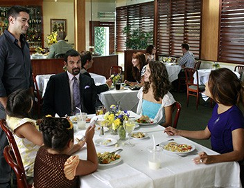 Desperate Housewives S06E03 Sa femme, son ex et lui