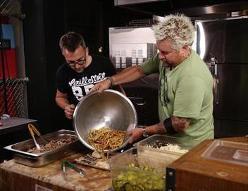 Food Games, avec Guy Fieri S01E11 Chariots de guerre