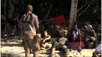 Replay The Island : Stomy retrouve le groupe