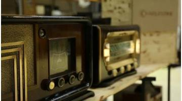 Charlestine, l'atelier tuning des radios anciennes